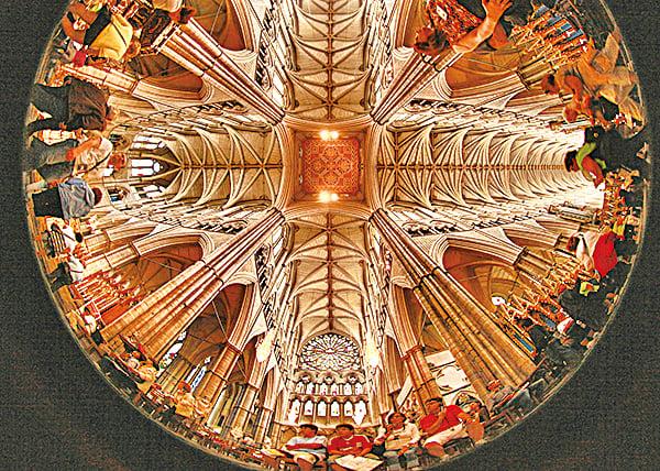 「多世界理論」認為,每一個人都同時存在於不同的空間中,即使我們自己意識不到這一點。(Getty Images)