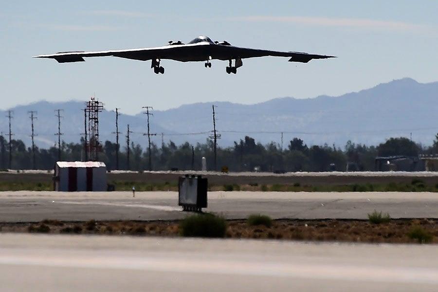 美派三架B2隱形轟炸機到關島 背後有三個因素