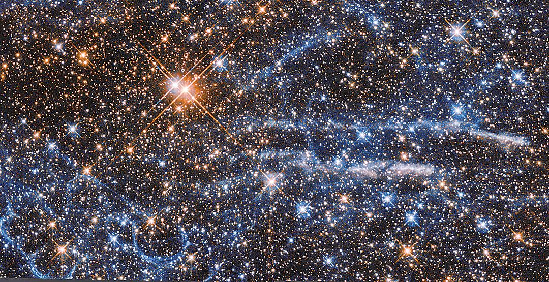 遙遠太空擠滿驚人天體