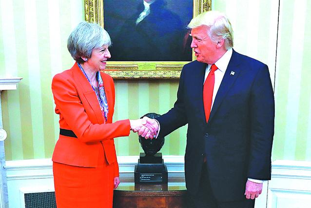 英國首相文翠珊(左)是訪問特朗普白宮的首位外國領袖。(Getty Images)