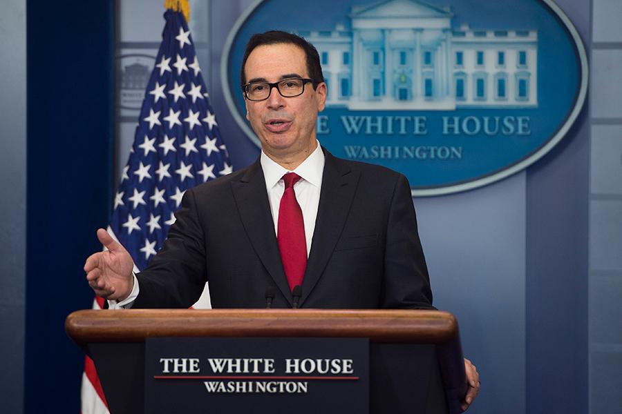 美國財政部1月12日對中國的企業實施了制裁。圖為美國財政部長史蒂文・姆欽。(AFP PHOTOS/SAUL LOEB)
