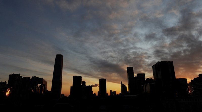 大陸多省市近來承認GDP造假。(AFP/Mark RALSTON)