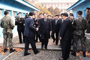 北韓軟硬兼施 兩韓會談場內外氛圍迥異