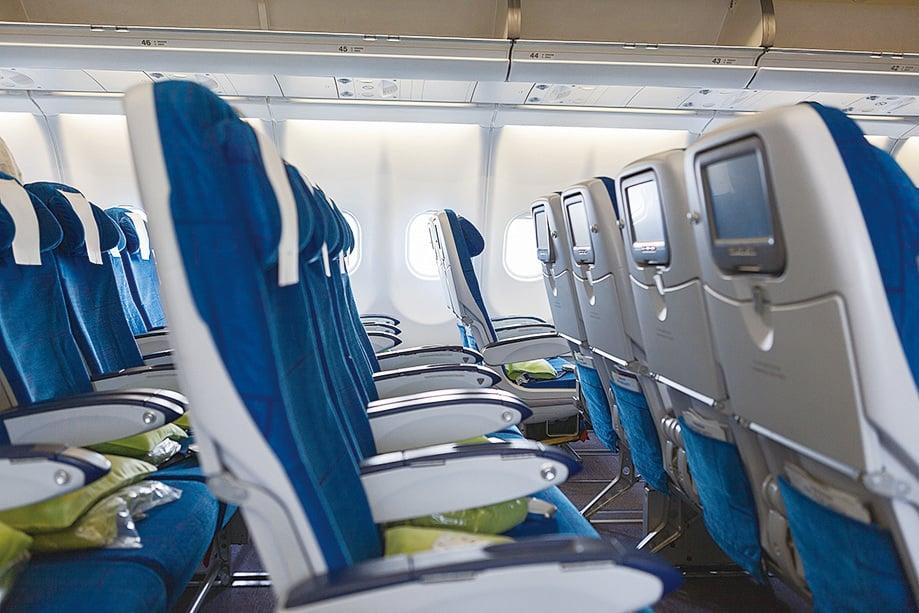 座位扶手可以整個抬起,可增加活動空間。(Fotolia)
