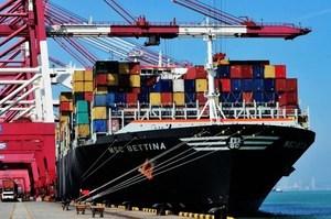美經濟走強 中美貿易戰如箭在弦?