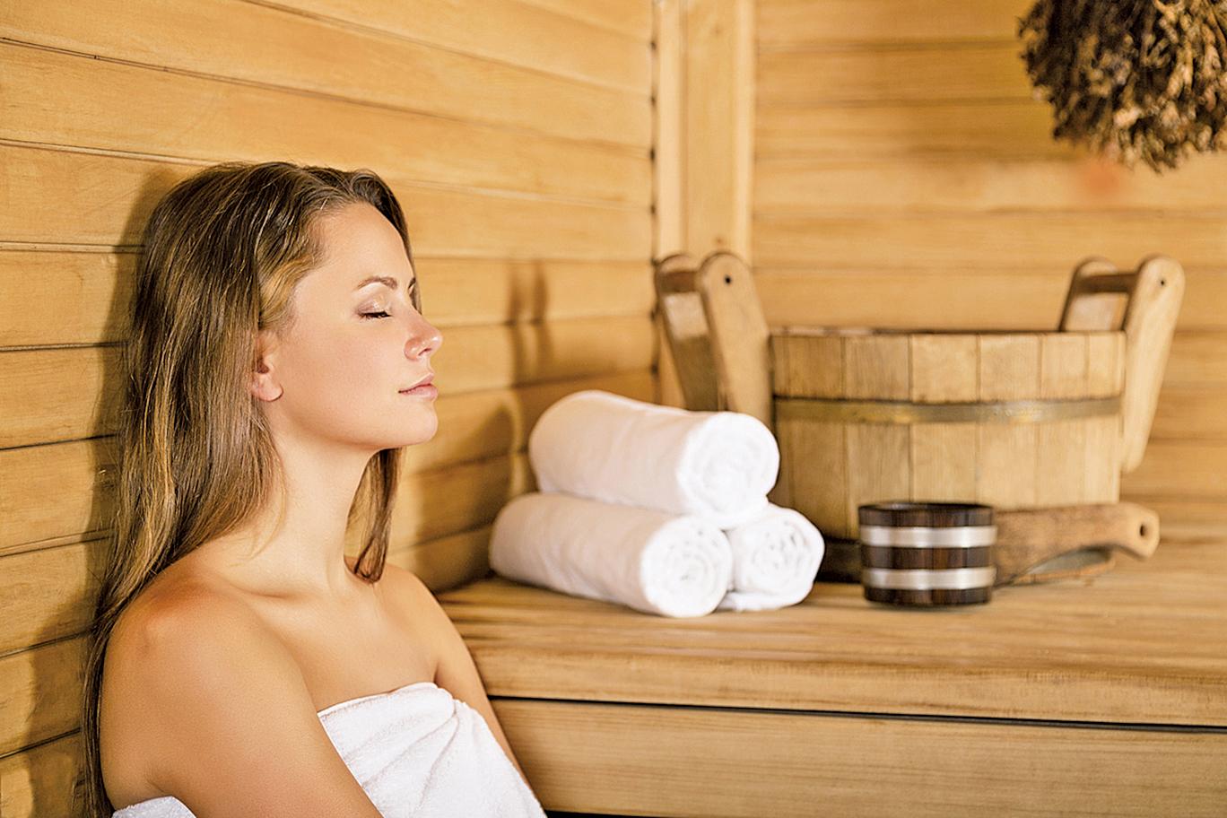一次30分鐘的桑拿浴可以降低血壓,改善血管順應性,同時增加心率,效果類似於中等強度的運動。(Fotolia)