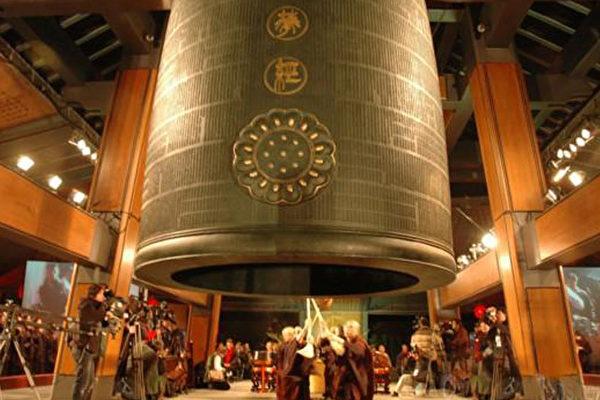 為什麼寺院的鐘要敲一百零八下?