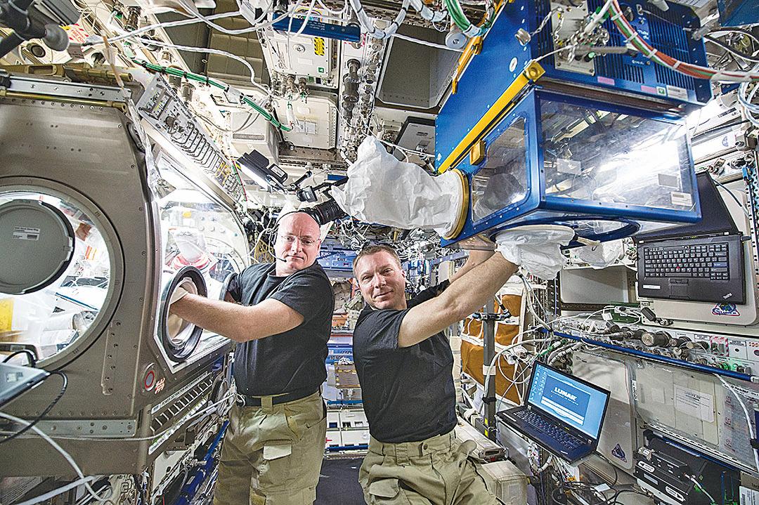 太空人在空間站的體溫會比在地面時增高1攝氏度。 (NASA)