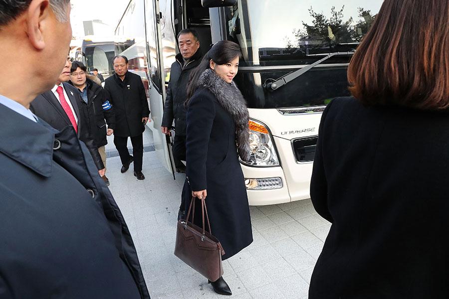 南韓「每日北韓」(Daily NK)網站曝光北韓派玄松月赴韓的內幕。圖為玄松月於1月21日抵達南韓。(Korea Pool/Getty Images)