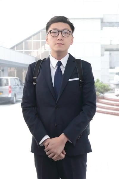 2016年發生的旺角警民衝突案,梁天琦承認一項襲警罪。他與同案另一名被告黃家駒被法官撤銷保釋,兩人需即時還柙等候判刑。(蔡雯文/大紀元)