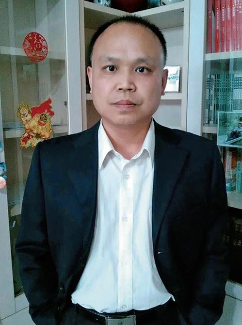 余文生律師呼籲修憲遭拘捕抄家