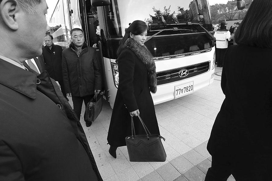 北韓女子組合牡丹峰樂團(Moranbong Band)團長玄松月(Hyon Song Wol)受金正恩欽點,開始訪問南韓兩天。(Korea Pool/Getty Images)