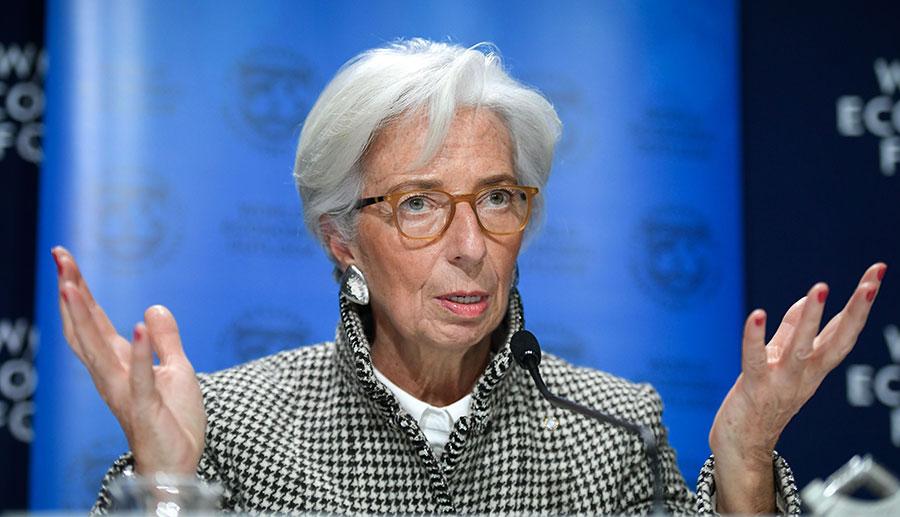 周一,國際貨幣基金組織(IMF)在達沃斯論壇上表示,由於美國大幅減稅帶動投資,因此上修2018年和2019年全球經濟增長率到3.9%,比其去年10月的預測增加了0.2個百分點。(FABRICE COFFRINI/AFP/Getty Images)
