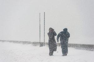 暴風雪襲美中西部 積雪18英寸 近200航班取消