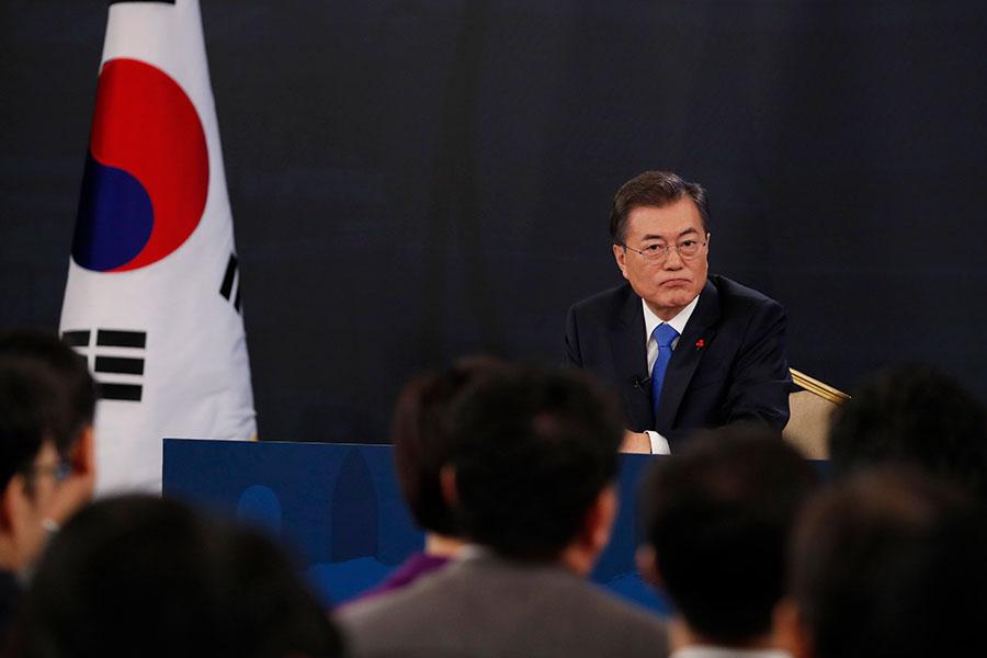 南韓總統文在寅的支持率連續兩周下降,跌至上任以來的歷史最低值。(Kim Hong-ji - Pool/Getty Images)