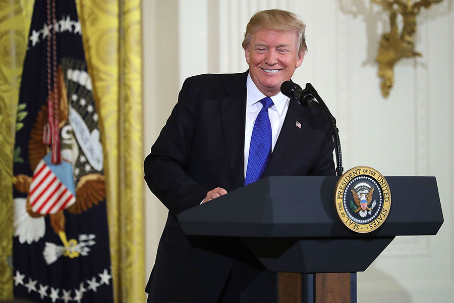 1月24日美國總統特朗普在白宮會見部份市長,並接受記者提問。(Chip Somodevilla/Getty Images)