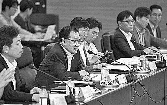 韓國科學技術情報通信部長官俞英民於去年8月17日出席了在政府果川廳舍舉辦的「區塊鏈技術研討會」,並發表講話。(科學技術情報部)