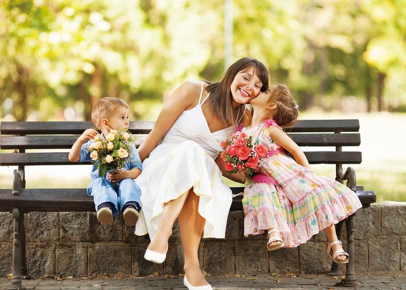 無論你身處哪個國家、哪種文化,「母愛無疆界」。(Fotolia)