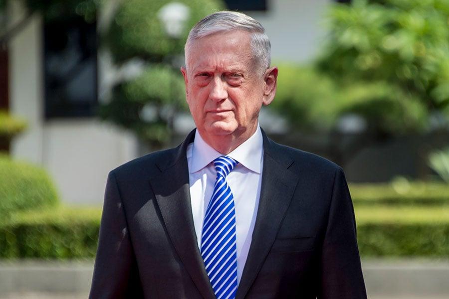 美國國防部長馬蒂斯(Jim Mattis)重申美軍保衛南韓的承諾。圖為2018年1月23日,馬蒂斯訪問印尼受到儀隊的歡迎。(Bay ISMOYO/AFP)
