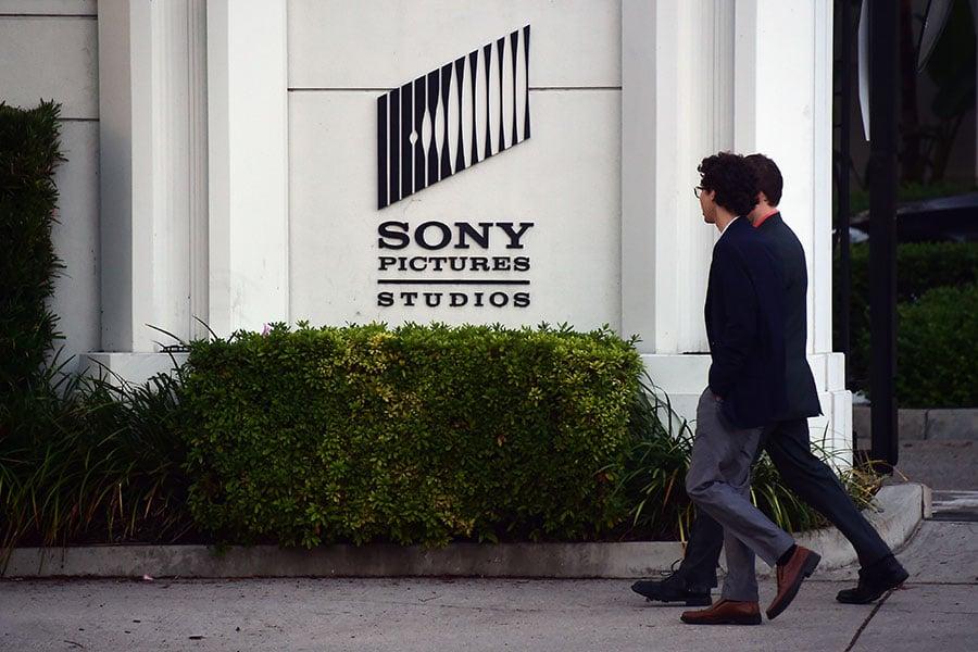 索尼影視娛樂公司於2014年遭北韓黑客攻擊。(FREDERIC J. BROWN/AFP)