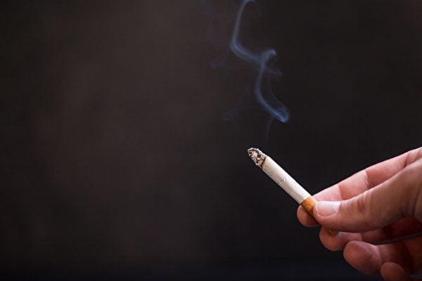 一項最新研究表明,一天只抽一支煙,罹患心臟病和中風的風險也會大幅增加。(Pixabay)