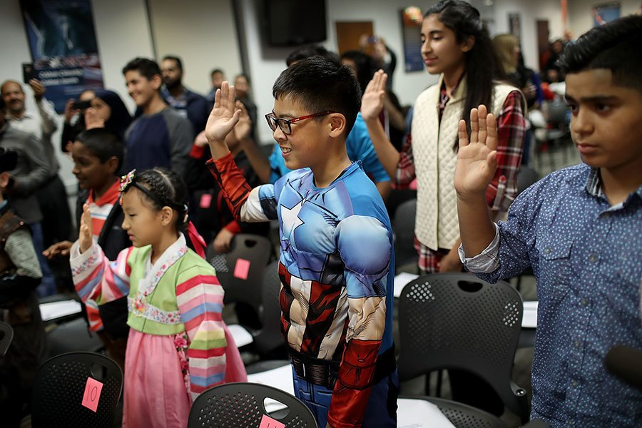 幼時隨著父母非法入境美國的180萬「夢想生」(Dreamer),有望獲得美國公民身份。(Win McNamee/Getty Images)