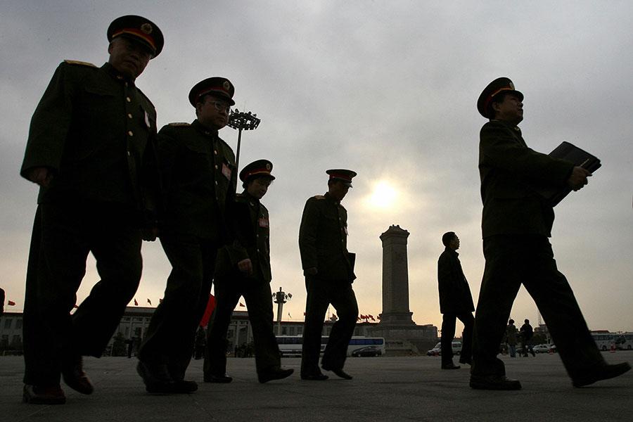 習近平當局軍改陸續到位後,大陸各省的戎裝常委近期也陸續就位。(MARK RALSTON/AFP/Getty Images)
