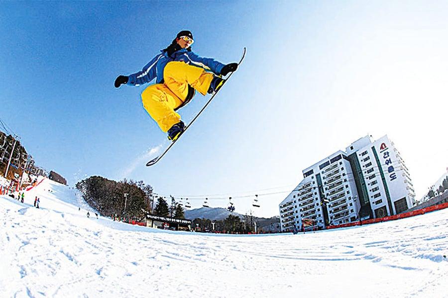 體驗冰雪激情南韓滑雪度假村