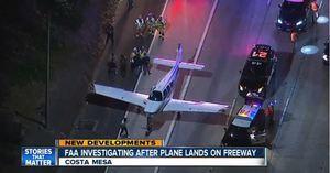 飛機迫降加州繁忙高速路 居然沒撞上車