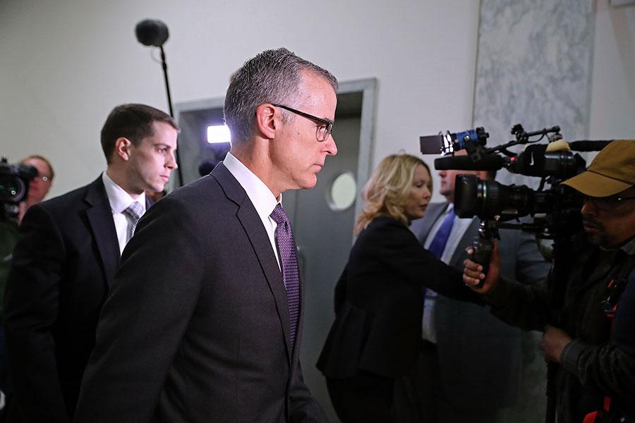周一,美國眾議院表決通過公開一份和通俄門調查有關的機密文件,聯邦調查局副局長(如圖中)被免職。(Chip Somodevilla/Getty Images)