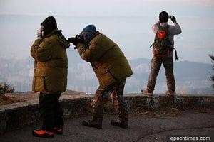 今晨6.8度入冬最低 市民大帽山上觀日