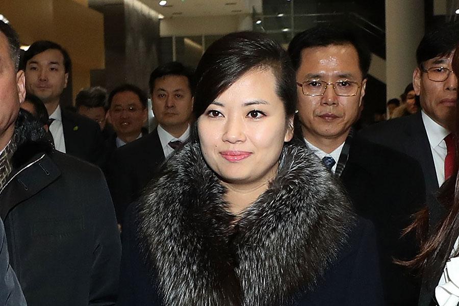 南韓情報機構透露說,北韓牡丹峰樂團團長玄松月於1977年出生於平壤。圖為玄松月於1月21日在南韓江陵藝術中心檢查場地。(Korea Pool/Getty Images)