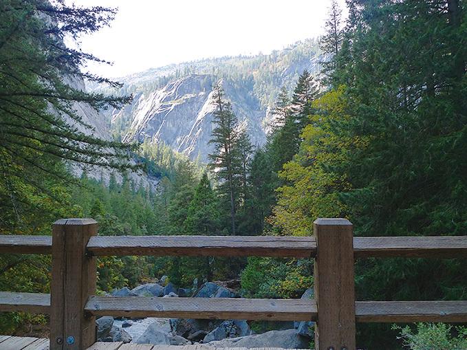 去Vernal瀑布的沿途景色。