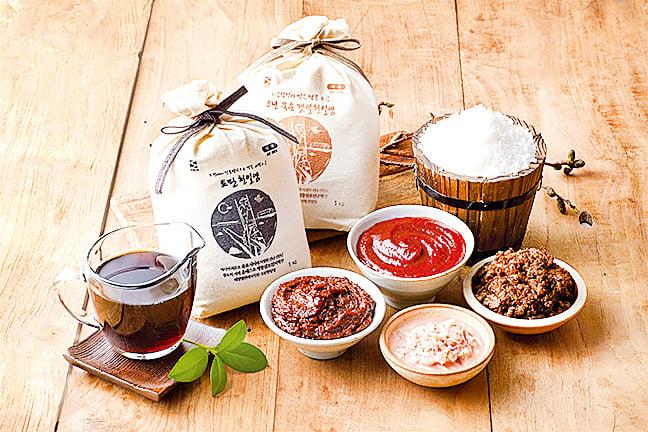 據說,用新安鹽製造的傳統食物如泡菜和醬料,無論在味道和質量上都比進口鹽優勝。