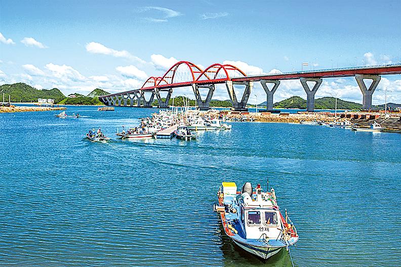 位於新安郡押海島和木浦島之間的連陸橋。