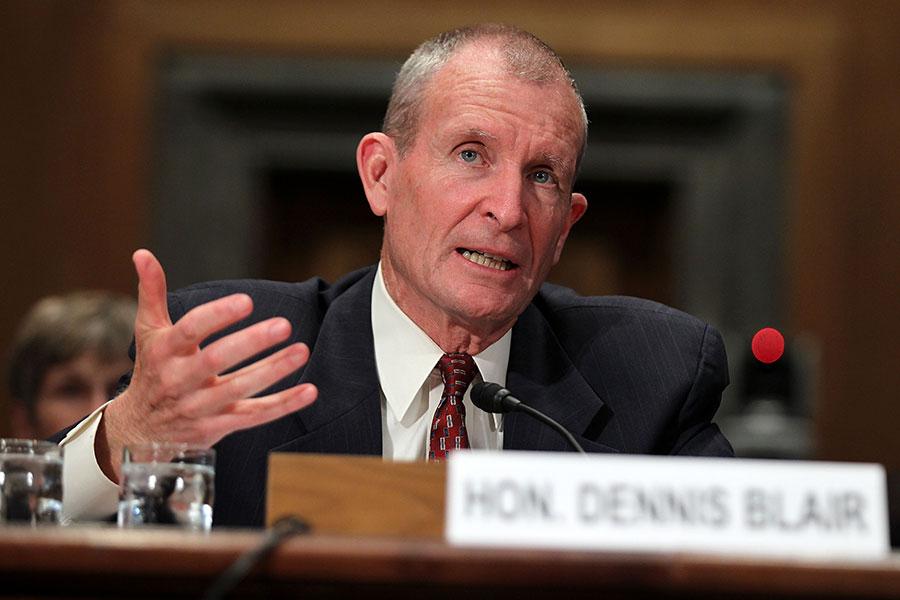 美國前國家情報總監布萊爾(Dennis Blair)表示,美國以軍事力量嚇阻北韓是可行的方法。圖為他於2011年5月19日在參議院一場聽證會上作證。(Alex Wong/Getty Images)