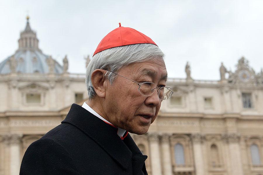 香港退休主教陳日君日前表示,之前於羅馬面見教宗時,親耳聽見教宗對逼退中國合法主教的做法表達反對。(ALBERTO PIZZOLI/AFP/Getty Images)