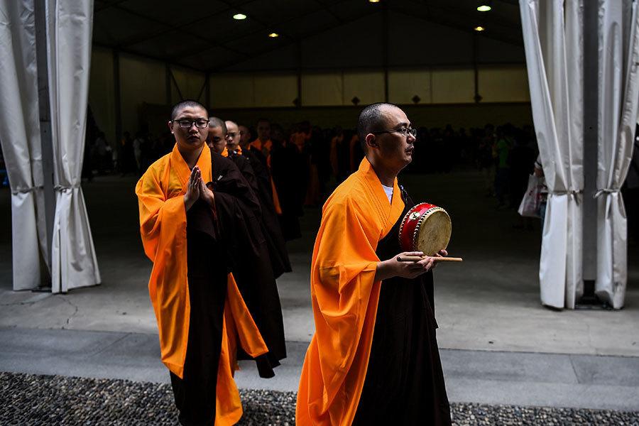中共新規控宗教「飯缽」打壓宗教自由