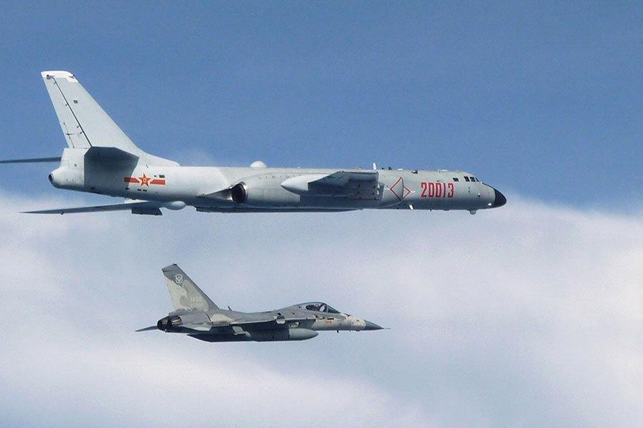 專家:中共軍機恐頻繁繞台 美日台韓應警覺