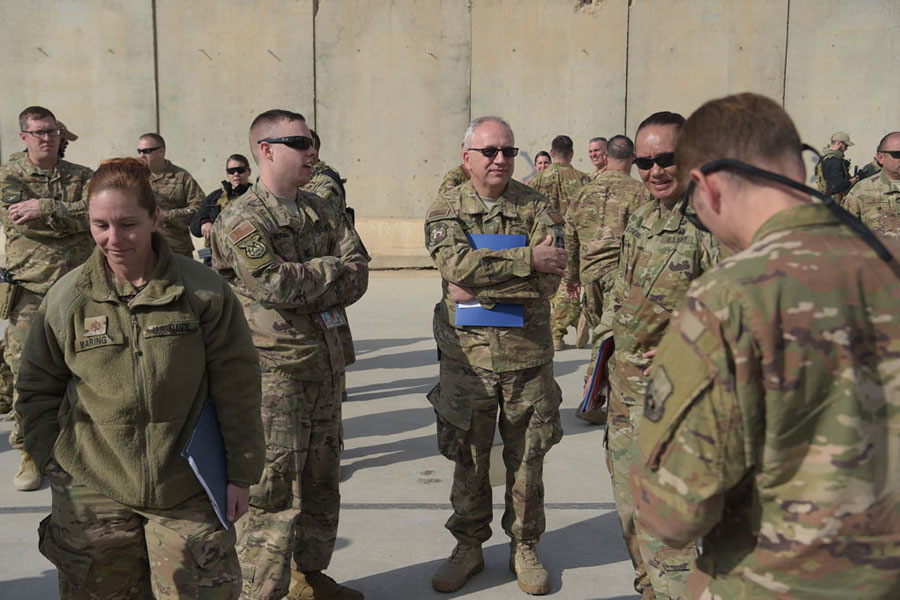 圖為駐紮在阿富汗的美軍。(SHAH MARAI/AFP/Getty Images)