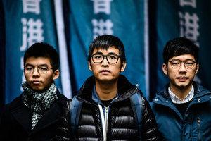 上訴成功 香港雙學三子即時獲釋