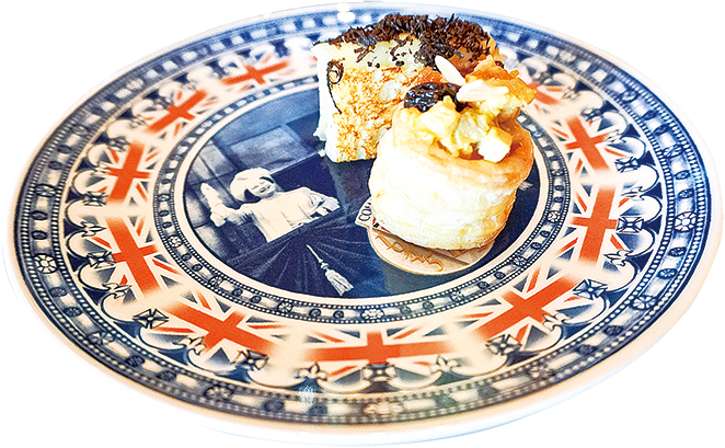 """Truffle Toast 同 """"Vol-au-vent"""" Puff Pastry Case with Coronation Chicken 。"""