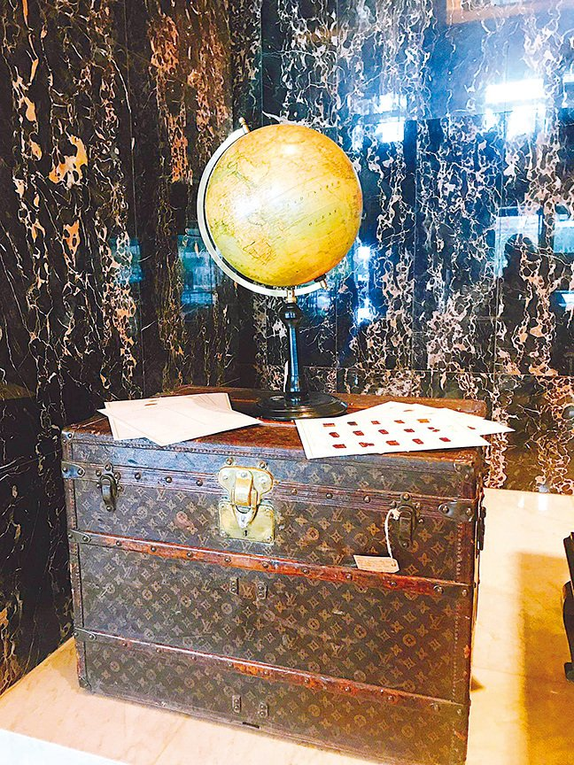 經過歲月洗禮嘅LV古董行李箱,多添一份珍貴。