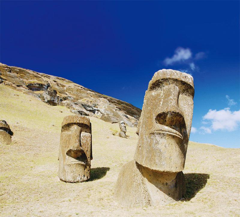 復活島的巨人石像。