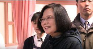蔡英文探視地震災民 大陸遊客:謝謝總統!