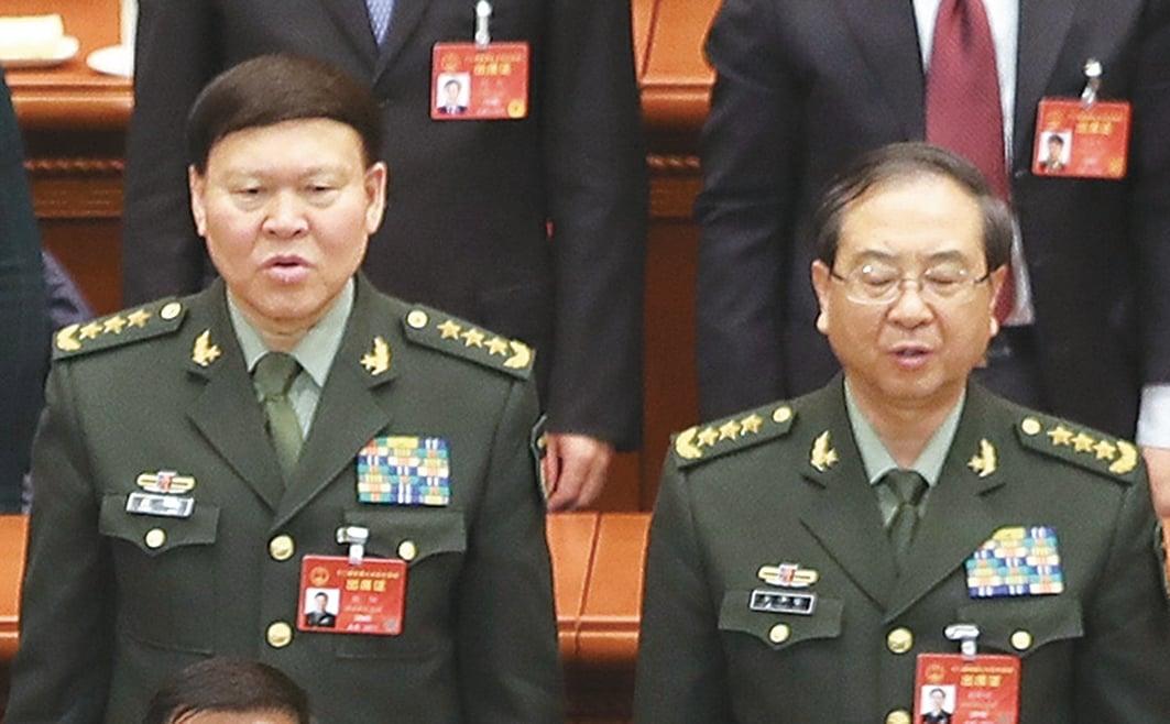 中共前軍委委員張陽(左)、房峰輝(右)相繼落馬。這對難兄難弟如今一死一被查,他們落馬後各種傳聞在媒體間流傳。(Getty Images)