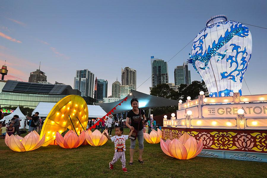 圖為澳洲悉尼市2017年舉行花燈會,慶祝中國新年。(Julian Andrews/Getty Images)