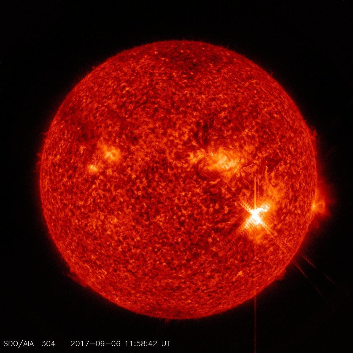 美東時間2017年9月6日清晨8點時分,太陽能量大爆發(大耀斑)的靜態圖像。(NASA/Goddard/SDO)