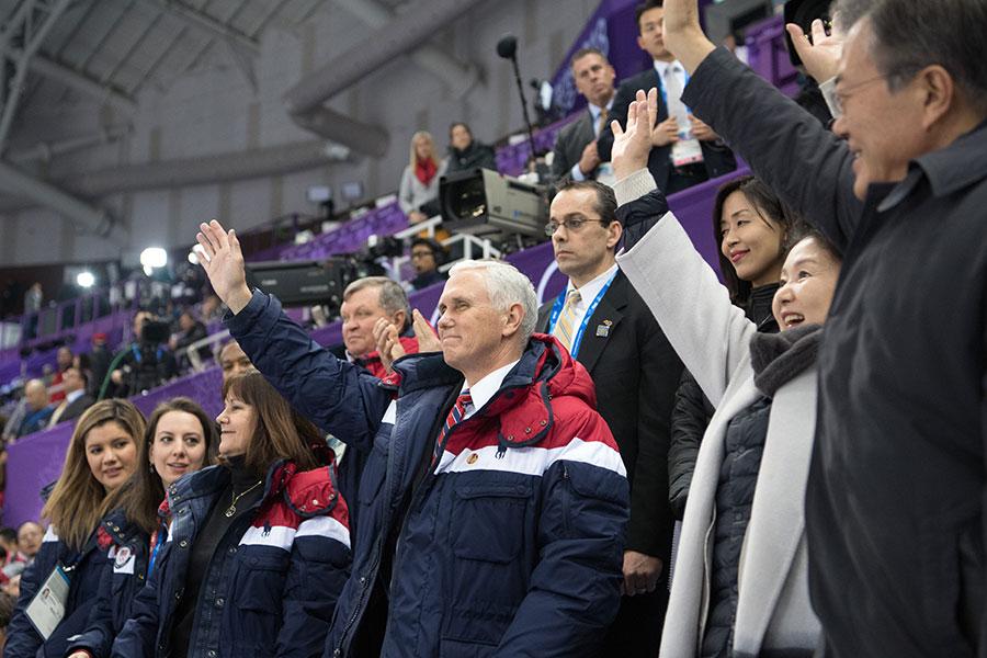 美國副總統彭斯周六表示,在對北韓的問題上,美國與南韓及日本立場一致,堅定地致力於朝鮮半島無核化目標。(Carl Court/Getty Images)