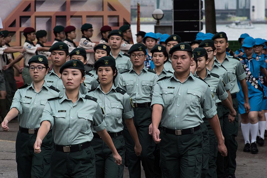中共要求制服團隊改用中式步操 議員批洗腦